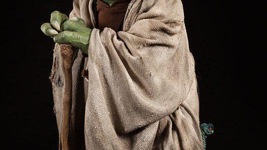Sideshow Toys Life-size Yoda