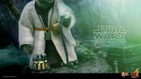 Hot Toys 1/6 Scale Yoda from The Empire Strikes Back