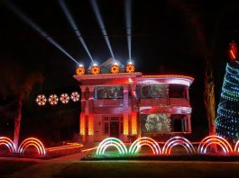 Merry Sithmas! A Star Wars Christmas Light Show!